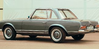 gonews-Mercedes-Benz-230-SL-with-Pagoda-roof