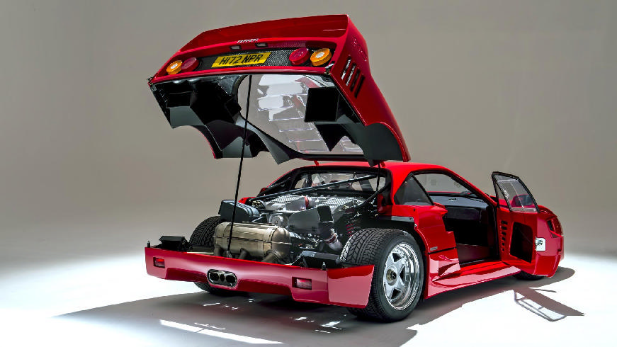 1989 ferrari f40-boot-open-engine