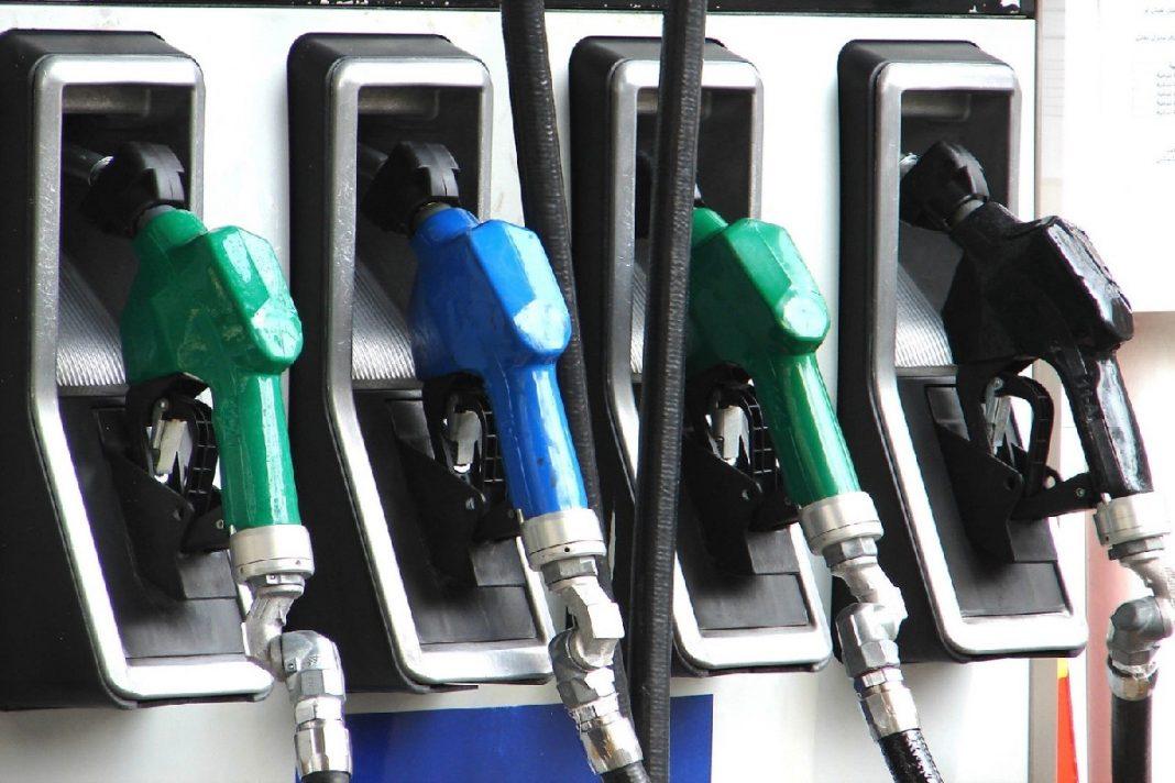 Στα ύψη η τιμή της αμόλυβδης βενζίνης και πάλι !