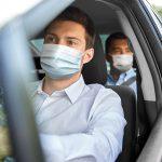 μάσκα στο αυτοκίνητο